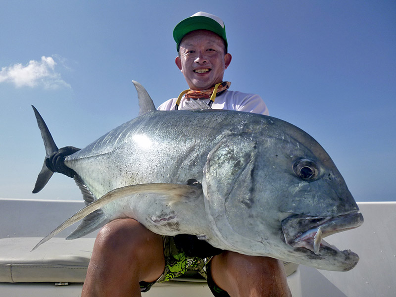 2_giant-trevally_popping_andamans_fishing_carpenter-rods_shimano-stella-reels_hammer-head-lures_koh-guan-chu