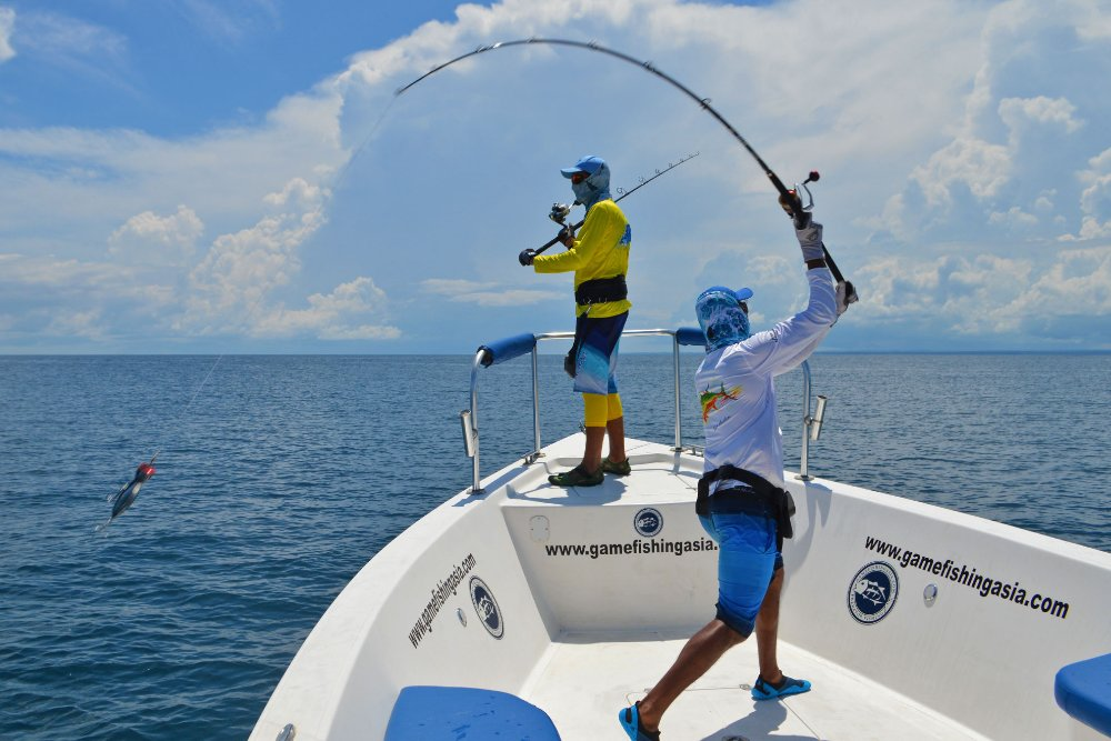 no-13_giant-trevally_fishing_popping_andaman_shimano-stella_gamefishingasia_boat_big-fish_casting