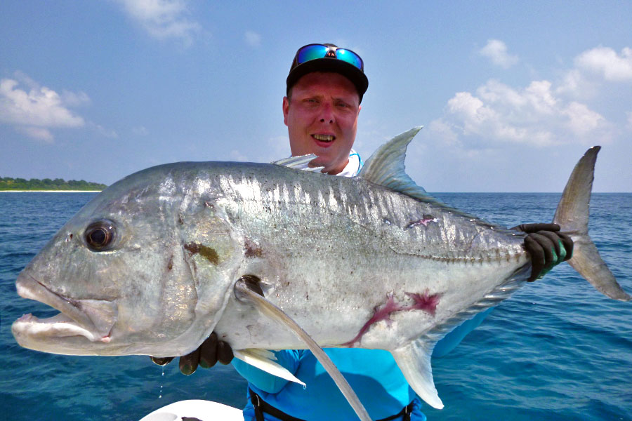 giant-trevally_popping_andaman_race-point-200-rod_shimano-stella-14000-reel_joakim