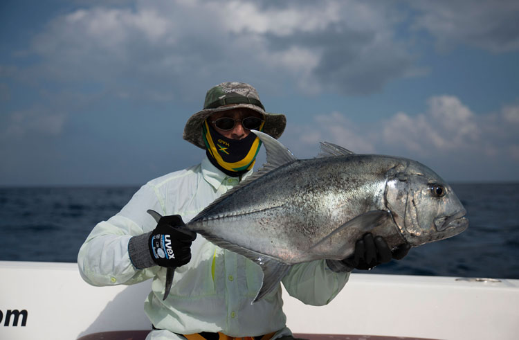 No13_Giant-Trevally_fishing_popping_andaman_Shimano-Stella_gamefishingasia_boat_big-fish_gtpopping_boat-charter_angler_Robert-Walter