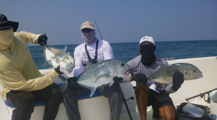 No26_Giant-trevally_Triple-hookup_fishing_popping_andaman_Shimano-Stella_gamefishingasia_boat_big-fish_gtpopping_boat-charter_angler_Arjun-Mark