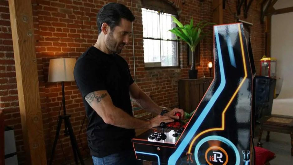 iiRcade home arcade machine