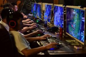 China impõe limite de 90 minutos diários para jovens jogarem videogames