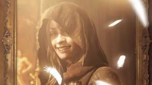 Jeanette Maus, atriz que interpretou as bruxas de Resident Evil Village, morre aos 39 anos