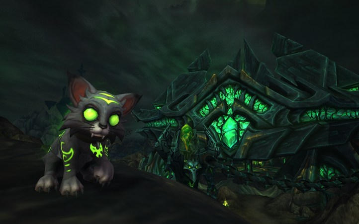 world_of_warcraft_charity_pet_mischief_fel_kitty
