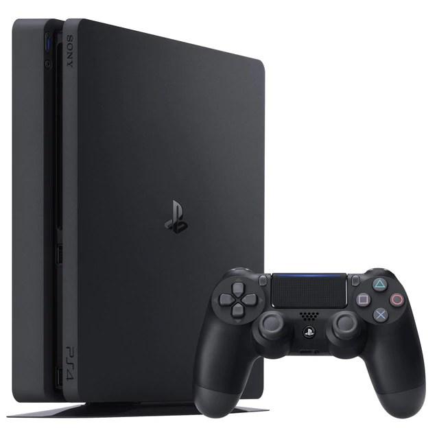 PlayStation 4 / Kenichiro Yoshida