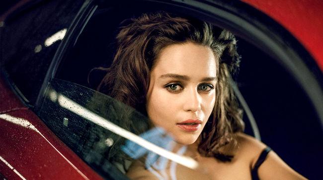 Emilia Clarke (21)