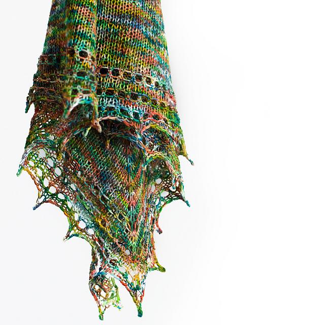 Free shawl knitting pattern by Daria Sorokina
