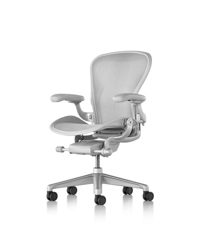 sedia da ufficio ergonomica bianca herman miller