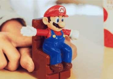 Una Cajita Feliz de Super Mario en Japón mira el comercial