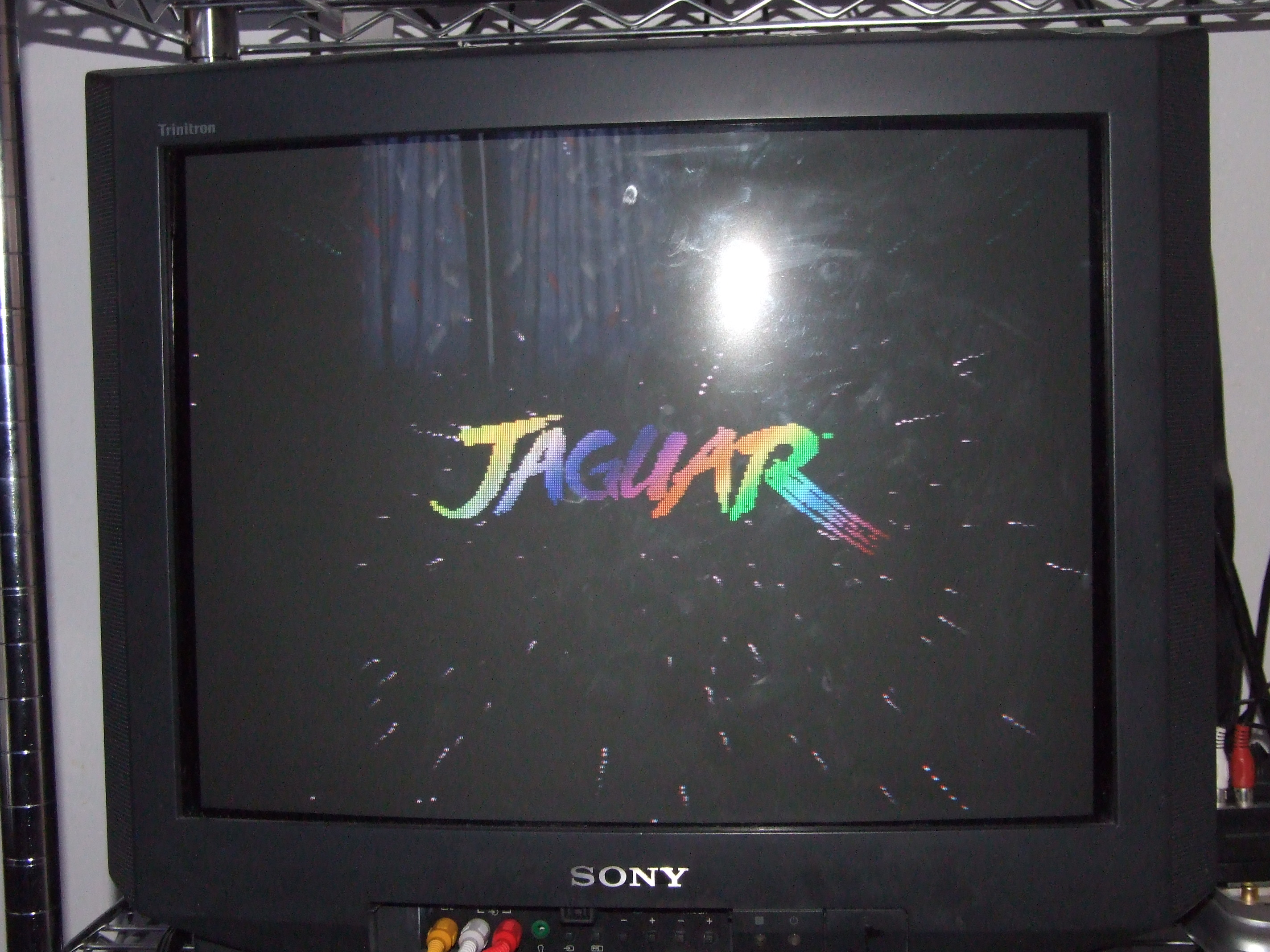 A photo of the TV while booting up the Jaguar+CD