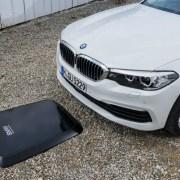 BMW presenta un cargador inalámbrico para autos