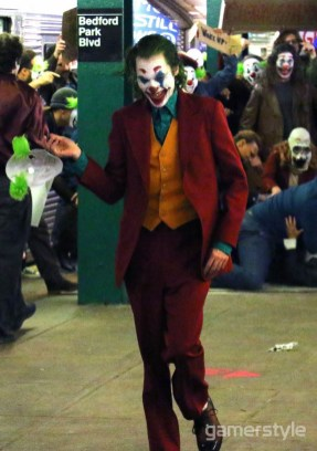 Joker Joaquin Phoenix Bronx Station (2)