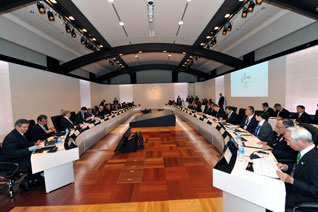Japan's Prime Minister Welcomes IOC Commission To Tokyo