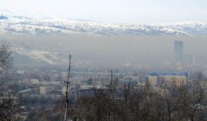 Smog obscures Almaty's skyline, February 15, 2015 (Photo: GamesBids)