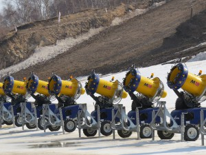 Snow cannons are lined up to provide artificial snow, as required, at the Genting Ski Resort (GamesBids Photo)
