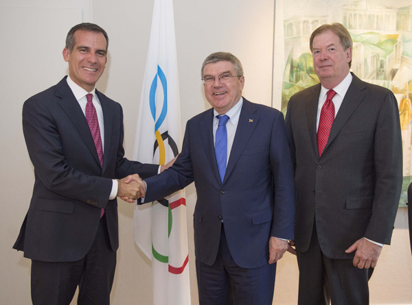 Los Angeles Mayor Eric Garcetti meets with IOC President Thomas Bach and USOC Chief Larry Probst in Lausanne on September 3, 2015 (LA 24 Photo)