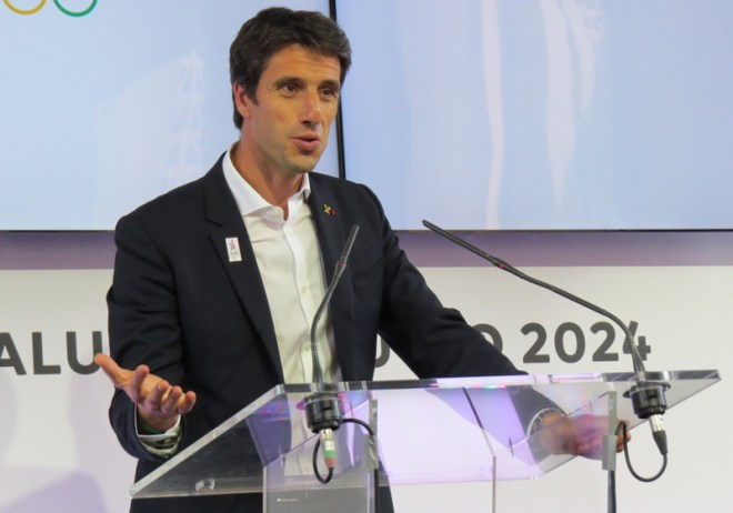 Paris 2024 Co-Chair Tony Estanguet speaks to media after day of presentations and discussion with the IOC (GamesBids Photo)
