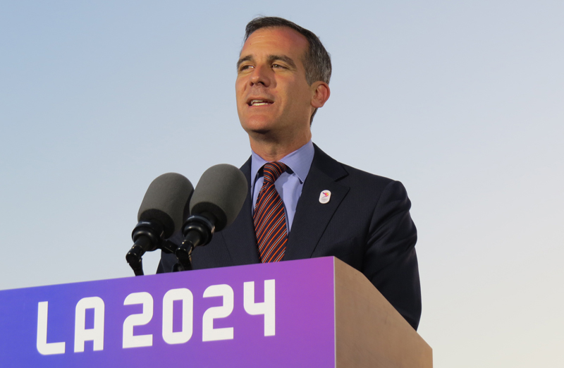 """LA Mayor Claims """"We'd Be Stupid Not To Take 2028"""" Olympic Games, Leaving 2024 for Paris"""