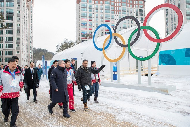 IOC President Thomas Bach inspects Gangneung Olympic Village at the PyeongChang 2018 Winter Games (IOC Photo)