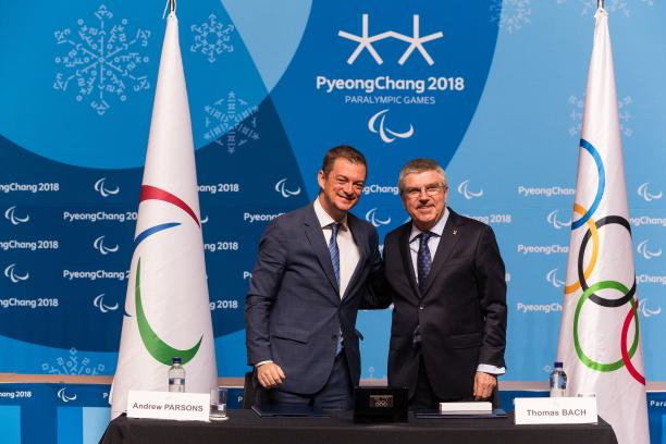 IPC President Andrew Parsons (L) and IOC President Thomas Bach in PyeongChang © • Lieven Coudenys