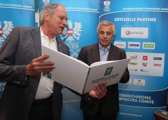 IOC Vice President Juan Antonio Samaranch Visits Austrian Olympic Committee in Vienna (OOC Photo)