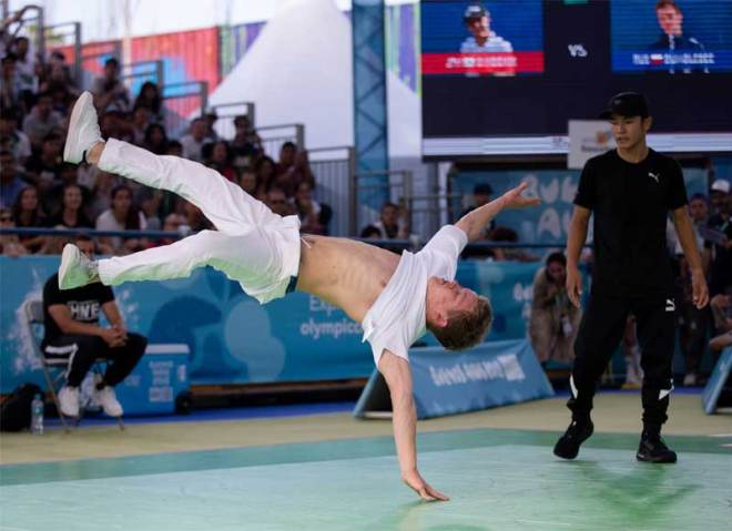"""Breaking B-boys """"battle"""" competitor at the Buenos Aires 2018 Youth Olympic Games (IOC Photo)"""