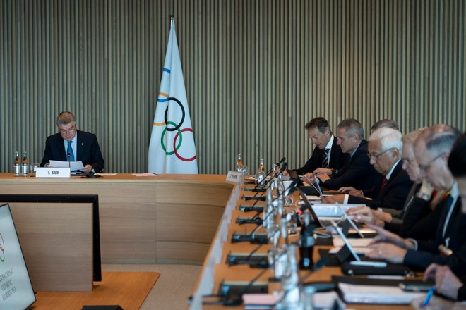 IOC President Thomas Bach (left) meets with his Executive Board in Lausanne, Switzerland to discuss COVID-19 Coronavirus threat, and other topics on March 3, 2020 (IOC Photo)