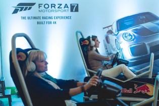 H Διευθύνουσα Σύμβουλος της Microsoft Ελλάδας, Κύπρου και Μάλτας, Πέγκυ Αντωνάκου, σε «κόντρες» στο Forza Motorsport 7, με την παρουσιάστρια, Μαρία Μπεκατώρου.
