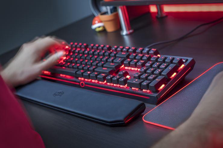 Νέο μηχανικό gaming πληκτρολόγιο από την Cooler Master: MasterKeys MK750
