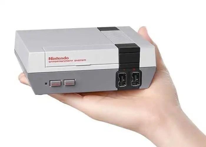 Nintendo Mini NES bucato dagli hacker, i giochi raddoppiano