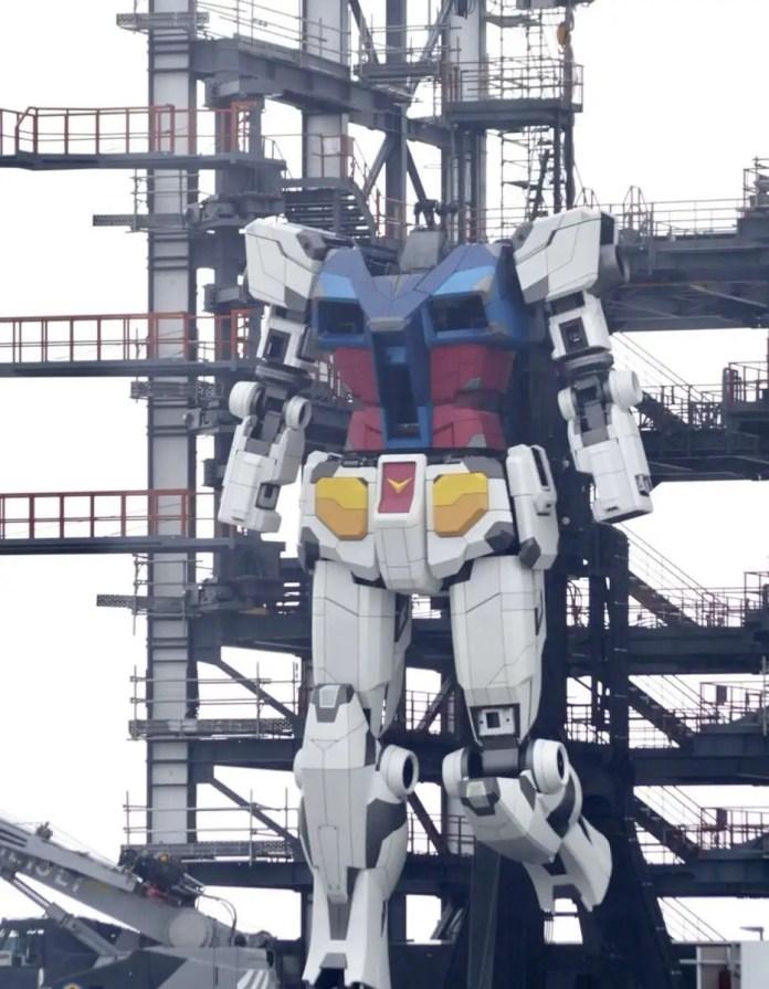 Gundam reale giappone gundamfactory yokohama cammina 1