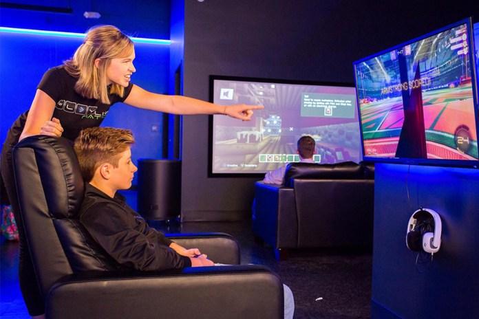 Simplicity Acquires Four Esports Gaming Centers