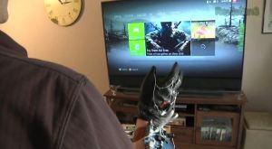 Kinect in Kombination mit einem etwas anderen Handschuh. (Foto: Youtube)
