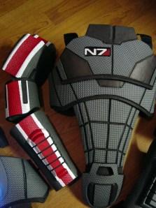 Der Anzug. (Foto: bioweapons.com)