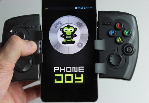 Das Pad mit einem Smartphone dazwischen. (Foto: Kickstarter)