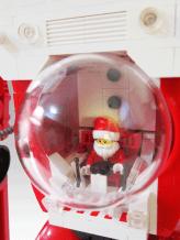 Der LEGO Santa. (Foto: andertoons.com)