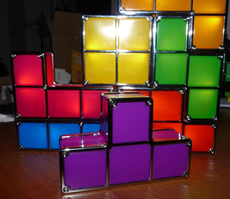 Die Tetris Tischlampe. (Foto: GamingGadgets.de)