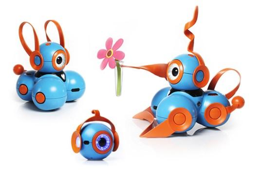 Logo: Die Roboter lassen sich individualisieren. (Foto: Play-i)