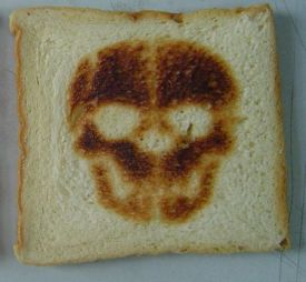 Totenkopf-Toast (Burntimpressions.com)