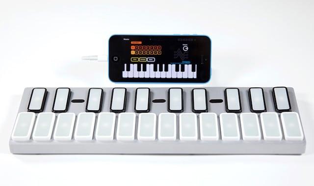 Das Keyboard mit iPhone. (Foto: Sparkart)