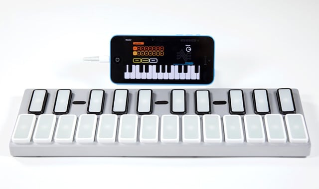 Das Keyboard mit iPhone. (Foto: Sparkart)