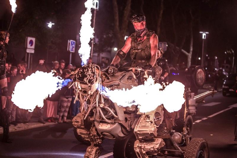 Der Roboter sieht schon martialisch aus. (Foto: Lyle Rowell)