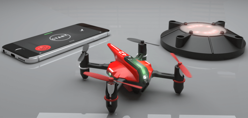 Drohne, Basis und Smartphone. (Foto: Drone n'Base)