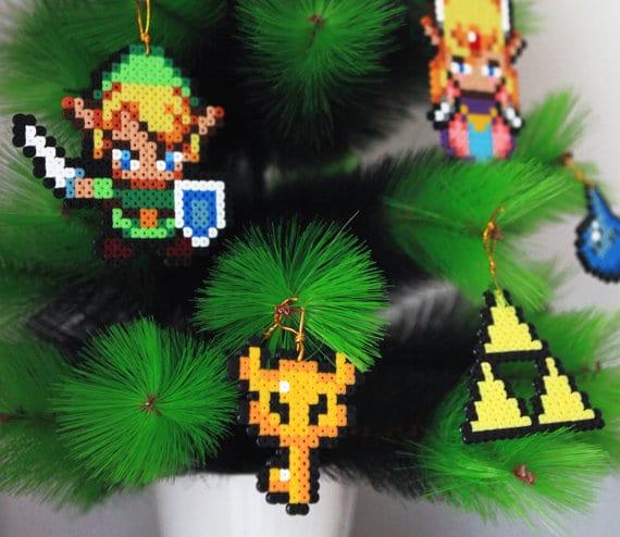 Link, Zelda und Co. an der Tanne. (Foto: Etsy)