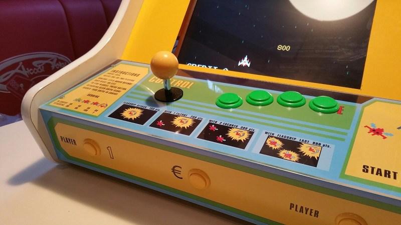 Einer seiner neuesten Automaten - ein Galaxian-Bartop. (Foto: Jochen Zurborg)