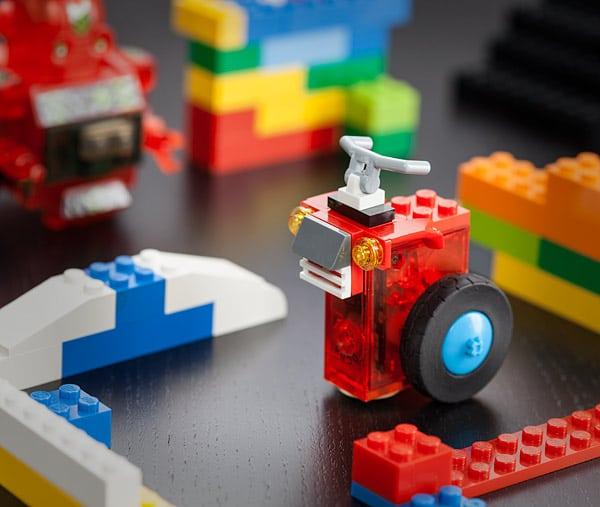 Motoren und Räder machen es möglich. (Foto: ThinkGeek)
