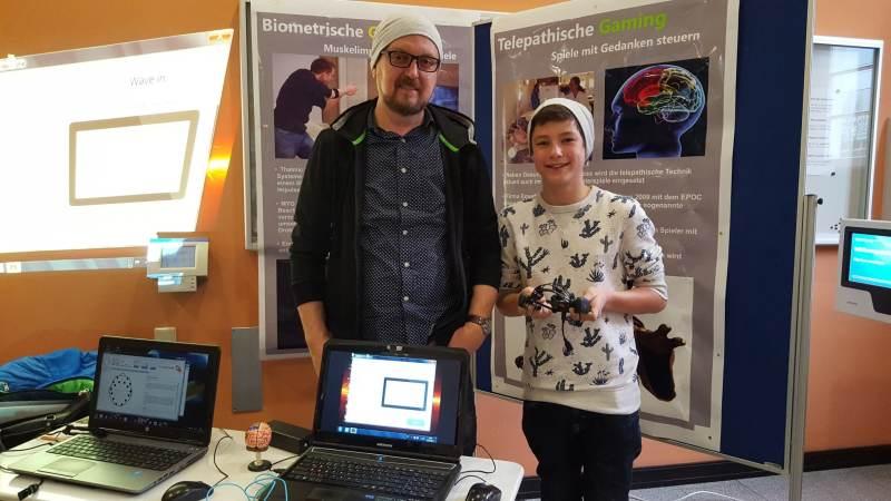 Sergej Buragin und sein junger Kollege. (Foto: GamingGadgets.de)