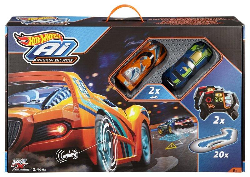 Zwei Autos, Fernbedienungen, Streckenteile - das ist drin. (Foto: Mattel / Hot Wheels)
