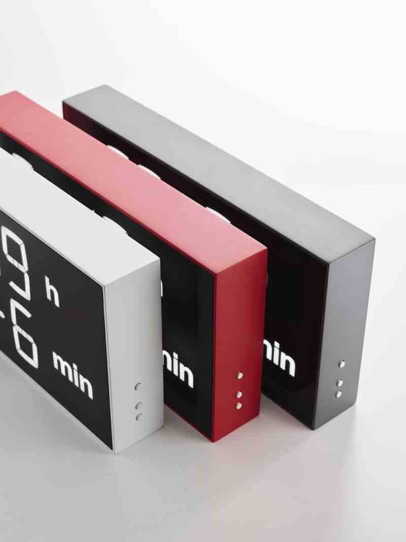 Drei Farb-Varianten sind aktuell erhältlich. (Foto: Gerhardt Kellermann / Albert Clock)